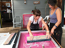 STENCIL SCREENPRINTING ONTO FABRIC :: WONDER-FULL DAY